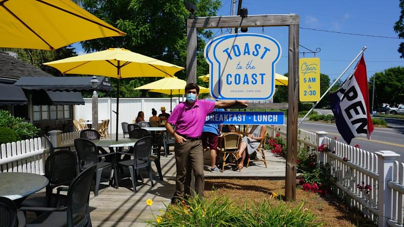 restaurateur Ron Dee at Toast to the Coast