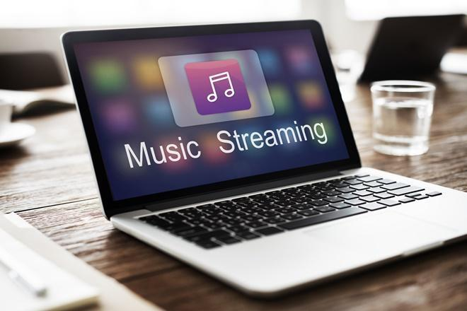 According to a recent report by RedSeer Consulting, only 1% of the total user base of the top five music streaming apps in India are paid subscribers, contributing 40% to the revenue.