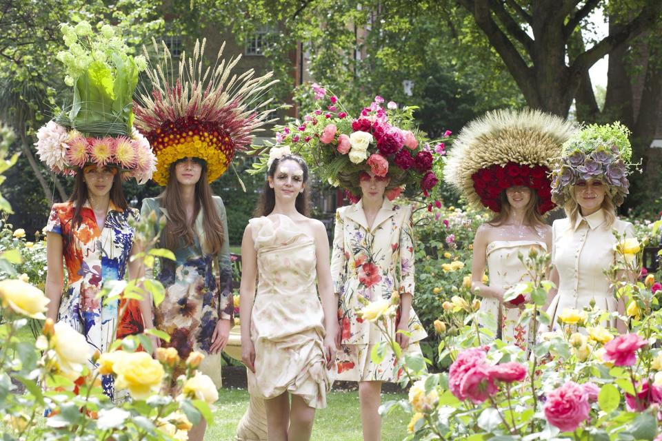 Catherine Walker Outdoor Fashion Show