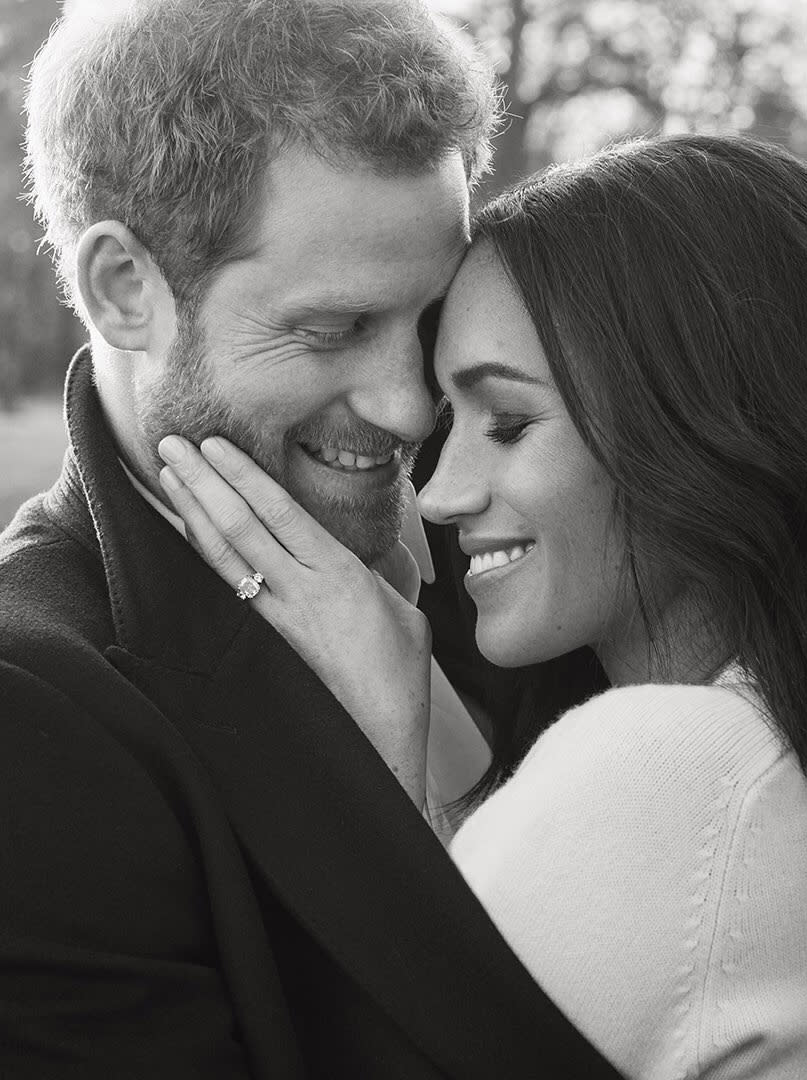 This intimate moment was captured by photographer Alexi Lubomirski. (Photo: Twitter/KensingtonRoyal)