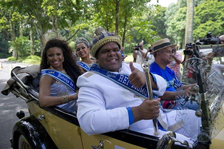 King Momo arrives for the ceremony to receive the key of Rio de Janeiro from Rio's Mayor and thus officially open the city's world famous carnival on February 8, 2013 in the Brazilian beach city. The 150-kilogram Milton Rodrigues da Silva, the event's undisputed king for the past five years in a row, kicked off five days of nonstop partying in Brazil's Marvelous City, Rio
