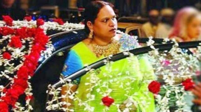 The official procedure to auction a Mumbai flat belonging to underworld don Dawood Ibrahim's sister Haseen Parker has begun.
