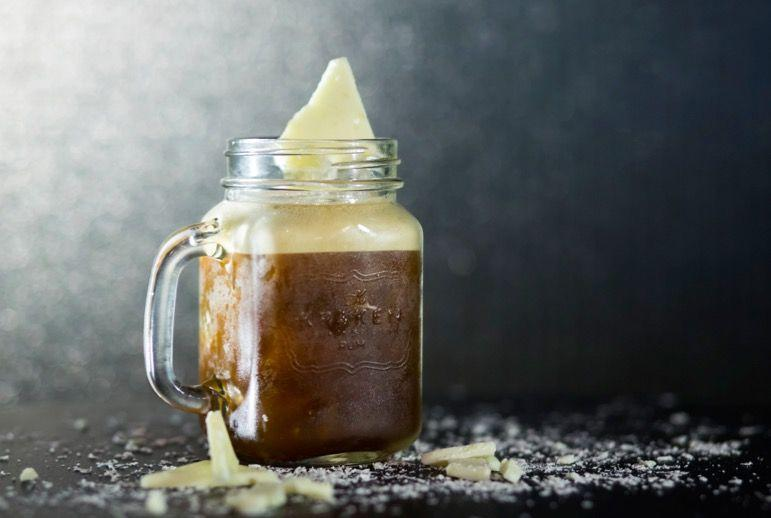 <p>In a cocktail shaker, pour 50ml Kraken Rum, 15ml Sugar Syrup and 1 shot of espresso, before straining over ice and topping with white chocolate. </p>