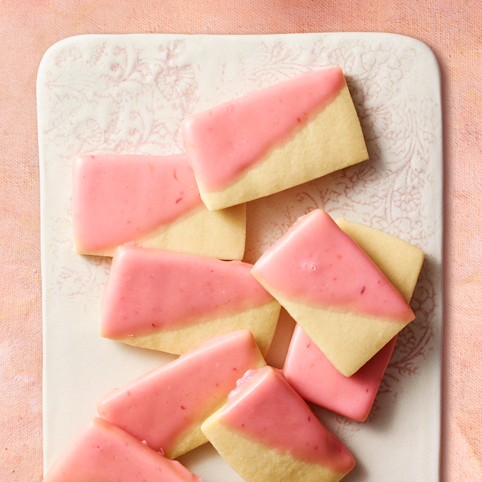 """<p>There are so many wonderful things about this sweet, savory snack. 1) It's not your typical dessert, so you'll never get bored of it. 2) It's 95 calories per serving, and 3) can you even handle the colorful cuteness?</p><p><strong><em><a href=""""https://www.prevention.com/food-nutrition/a30246364/blood-orange-olive-oil-shortbread-recipe/"""" rel=""""nofollow noopener"""" target=""""_blank"""" data-ylk=""""slk:Get the recipe from Prevention »"""" class=""""link rapid-noclick-resp"""">Get the recipe from Prevention »</a></em></strong></p>"""