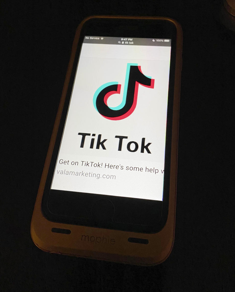 Photo by: STRF/STAR MAX/IPx 2020 9/18/20 Trump to block U.S. downloads of TikTok, WeChat on Sunday, 9/20/20. STAR MAX File Photo: 9/13/20 Tik Tok Logo seen on an iphone 6s.