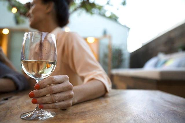 Study shows alcohol has an impact on your cells. (Photo: Getty Images)