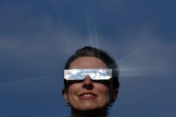 Special glasses for solar ecplipse