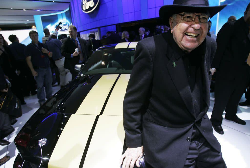 'Ford v Ferrari' races to first place as 'Charlie's Angels' collapses