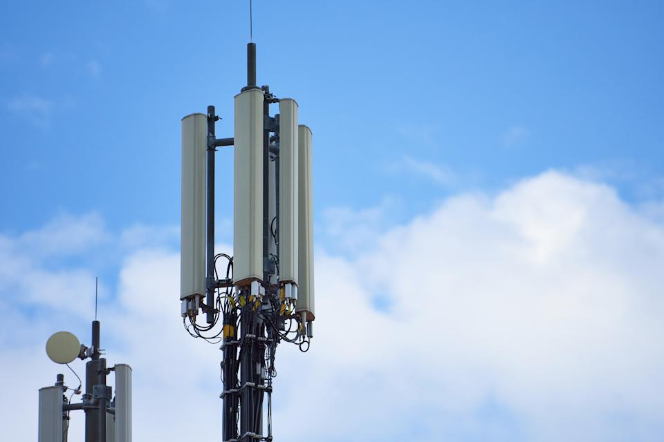 A telecommunication tower and mast with hepta-band antenna including 4G LTE, 3G UMTS, GSM, DCS bands with 5G requiring a module in the station