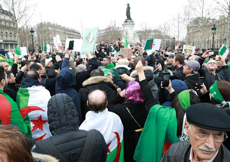 Organisers say thousands turned out for the protest in Paris (AFP Photo/JACQUES DEMARTHON)