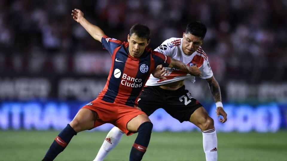 River Plate v San Lorenzo - Superliga 2019/20 - Angel Romero pelea contra Enzo Pérez. | Marcelo Endelli/Getty Images
