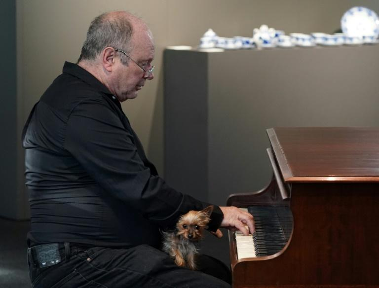Real-life 'Pianist' possessions up for auction in Poland