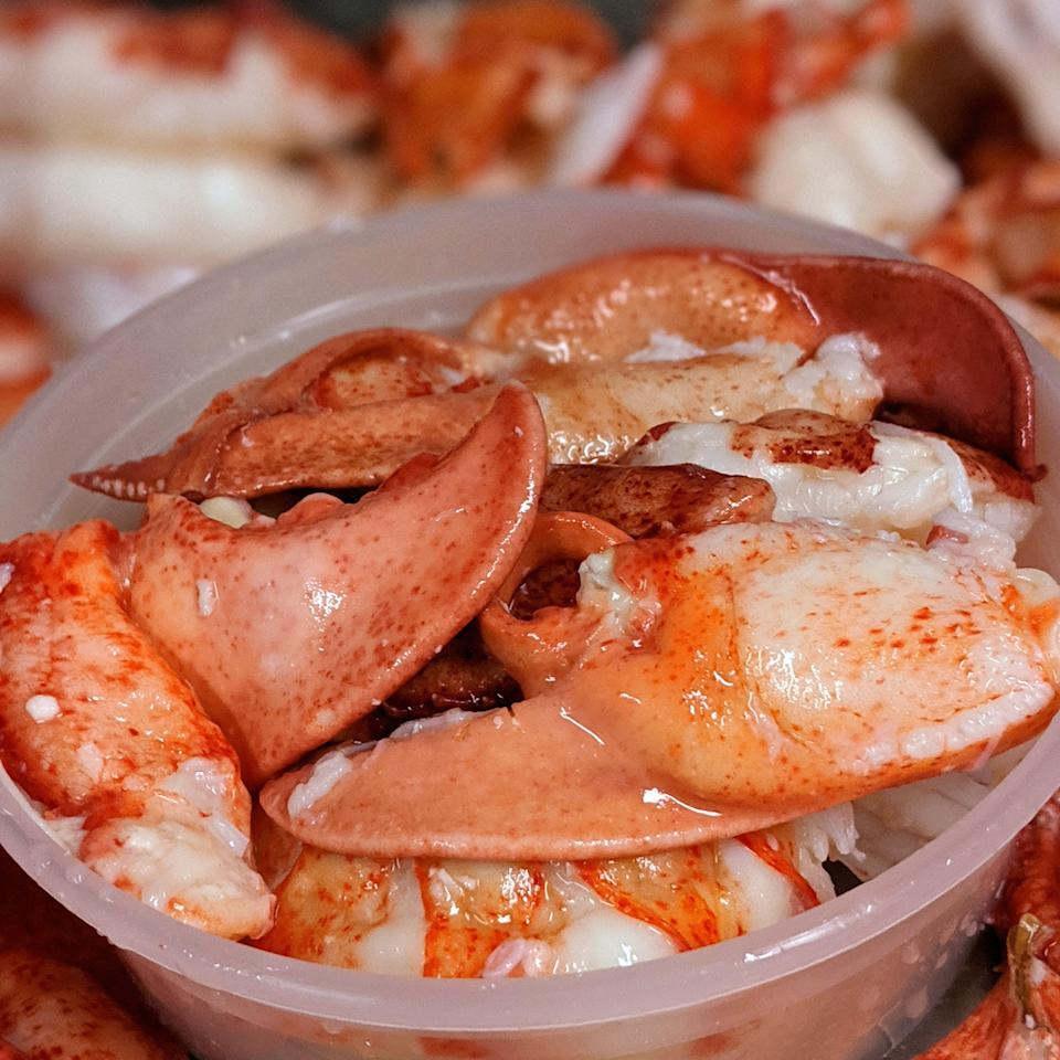"""<p><strong>McLoons Lobster Shack</strong></p><p>goldbelly.com</p><p><strong>$169.00</strong></p><p><a href=""""https://go.redirectingat.com?id=74968X1596630&url=https%3A%2F%2Fwww.goldbelly.com%2Fmcloons-lobster-shack%2Ffresh-tkc-lobster-meat-2-lbs&sref=https%3A%2F%2Fwww.townandcountrymag.com%2Fleisure%2Fdining%2Fg36029837%2Fbest-lobster-delivery-services%2F"""" rel=""""nofollow noopener"""" target=""""_blank"""" data-ylk=""""slk:Shop Now"""" class=""""link rapid-noclick-resp"""">Shop Now</a></p><p>If all you need is lobster meat without the extra fixings, McLoons Lobster Shack ships quantities between two and four pounds from its home base in South Thomaston, on Maine's Spruce Head Island. TKC refers to tail, knuckle, and claw—the sources of the meat. McLoons' lobsters are steamed and cooked through on the day they're caught, then iced immediately. After that, they're hand-picked, cleaned, packed, and shipped. </p>"""