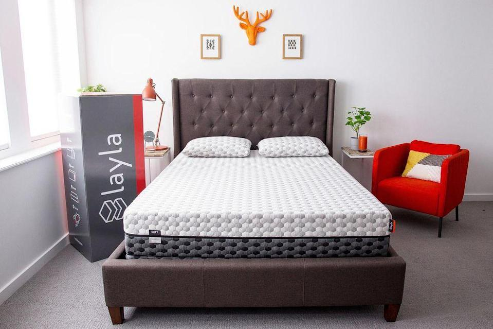 """<p><strong>Layla Sleep</strong></p><p>laylasleep.com</p><p><strong>$999.00</strong></p><p><a href=""""https://go.redirectingat.com?id=74968X1596630&url=https%3A%2F%2Flaylasleep.com%2Fproduct%2Flayla-mattress%2F&sref=https%3A%2F%2Fwww.goodhousekeeping.com%2Fhome-products%2Fg4138%2Fbest-mattress-in-a-box%2F"""" rel=""""nofollow noopener"""" target=""""_blank"""" data-ylk=""""slk:Shop Now"""" class=""""link rapid-noclick-resp"""">Shop Now</a></p><p>Unsure if you need a soft or firm option? This foam style gives you both: <strong>Just flip the mattress to change the support level</strong>. It has copper built-in to prevent the overheating that is typically associated with memory foam, and several users told us they find the bed to have good temperature control. </p><p>Most reviewers said they love the mattress and gave it high ratings for comfort and support. Some specifically said it conforms nicely to your body and is great for side sleepers. Use the code """"<strong>GH100</strong>"""" for $100 off any size mattress.</p><p><strong>Trial period</strong>: 120 nights<br></p>"""