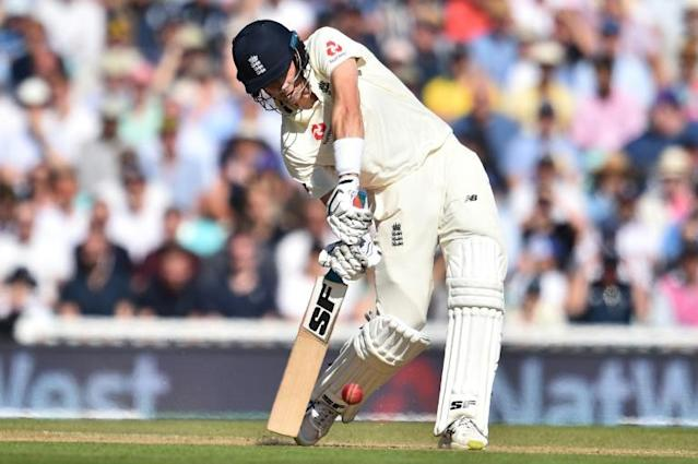 England's Joe Denly bats on the third day of the fifth and final Ashes Test at the Oval (AFP Photo/Glyn KIRK )
