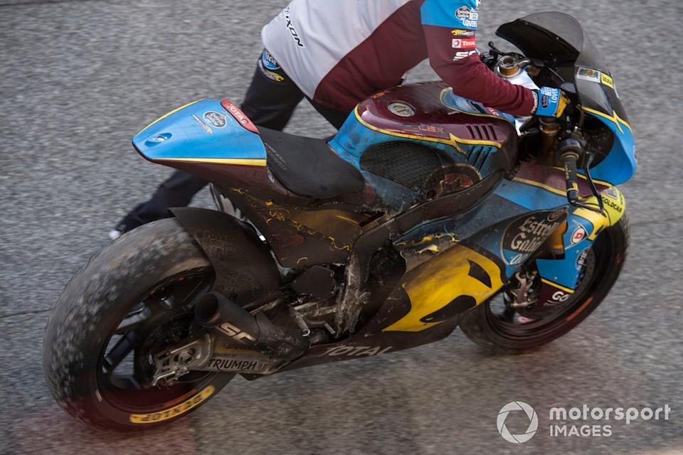 "Augusto Fernandez, Marc VDS Racing, burnt out bike<span class=""copyright"">Gold and Goose / Motorsport Images</span>"