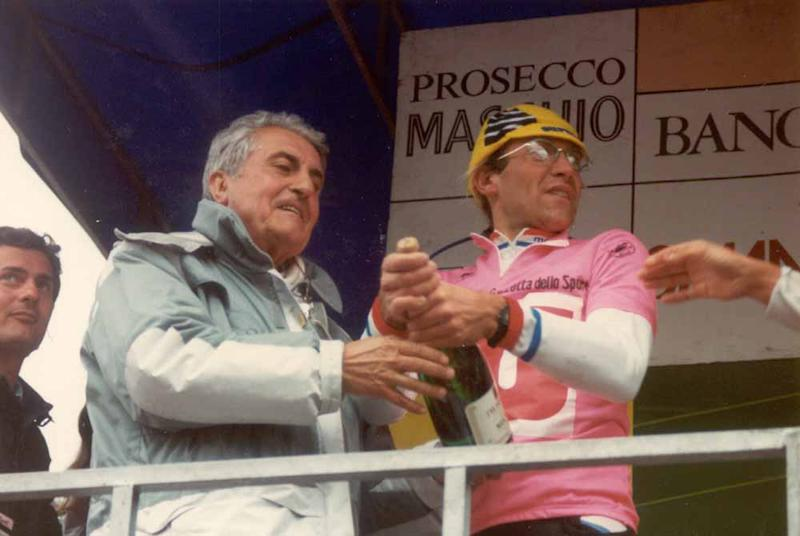 Torriani with race leader Laurent Fignon at the 1989 Giro