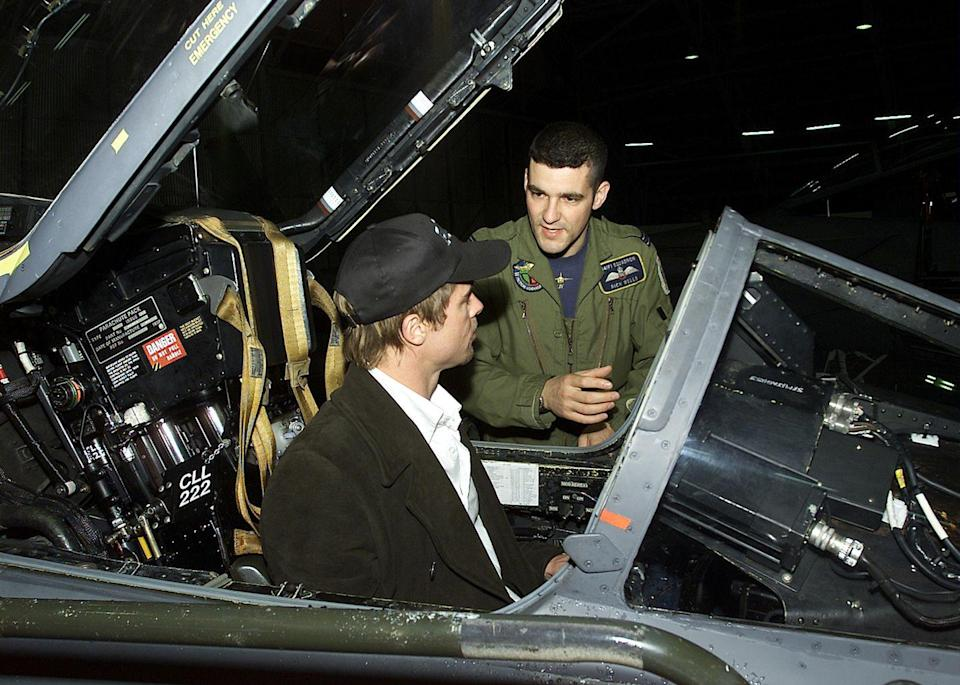 <p>The actor, along with other celebrities, visited an Air Force base in Turkey in 2001, where they were given a tour of the equipment were able to chat with the soldiers. </p>