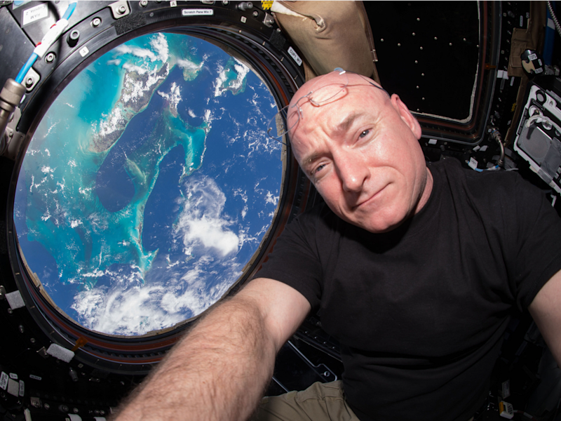 scott kelly selfie