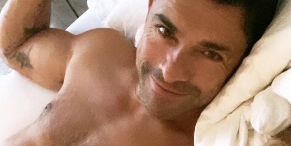 Fans Are Going Wild Over Kelly Ripa's Shirtless Photo of Mark Consuelos in Bed