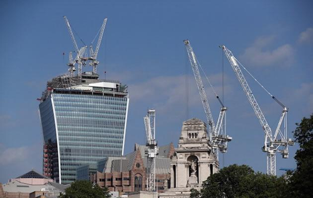"London's Walkie Talkie skyscraper might be in trouble for causing cars parked underneath to ""melt"". (Getty Images)"