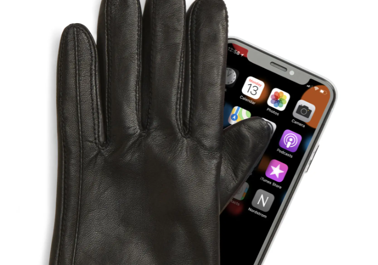 These are the best tech gloves you can buy this winter (Photo via Nordstrom)