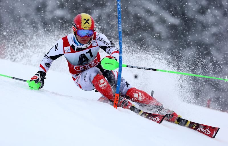 Neureuther wins World Cup slalom in heavy snow