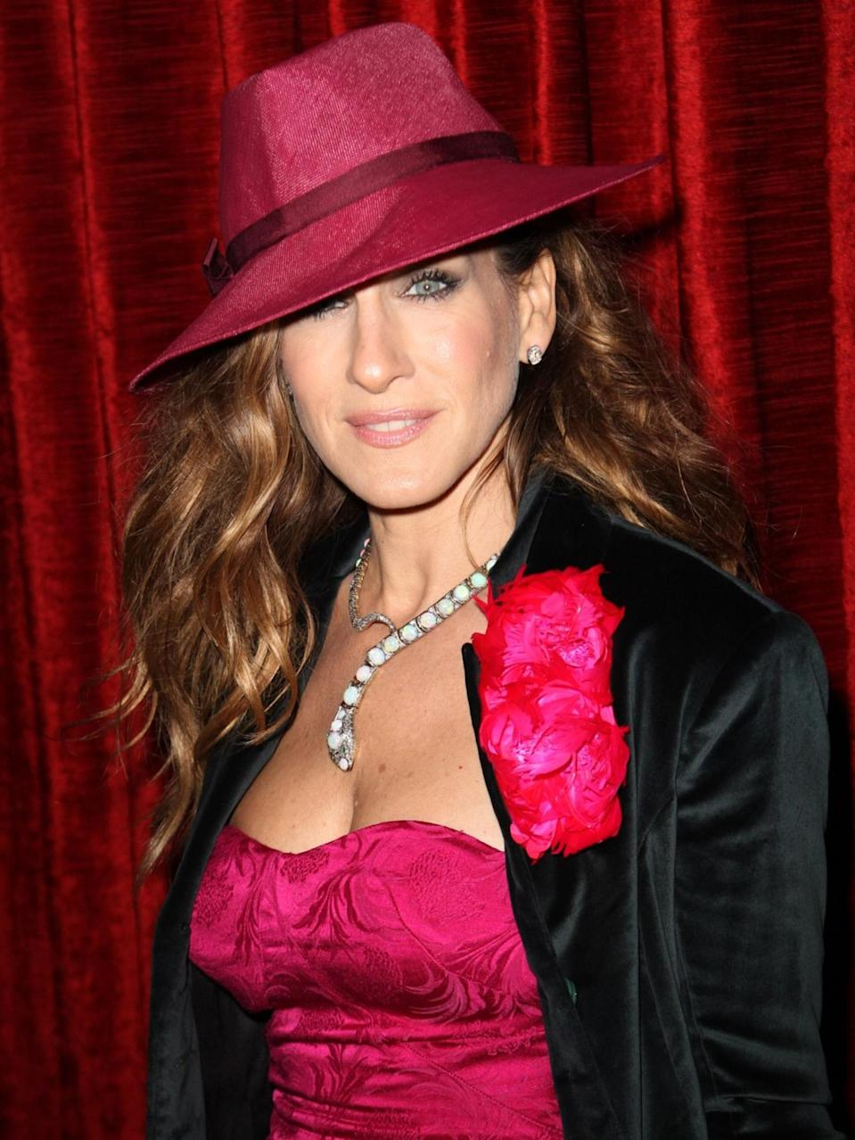 <p>SJP channeled Carmen Sandiego at the premiere of 'Did You Hear About The Morgans?' in December 2009. </p>