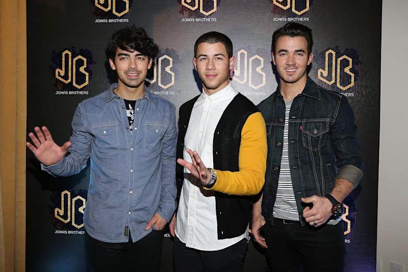 MEXICO CITY, MEXICO - JANUARY 23: (L-R) Musicians Joe Jonas, Nick Jonas and Kevin Jonas of the Jonas Brothers attend a press conference at W Hotel Mexico City on January 23, 2013 in Mexico City, Mexico. (Photo by Victor Chavez/WireImage)