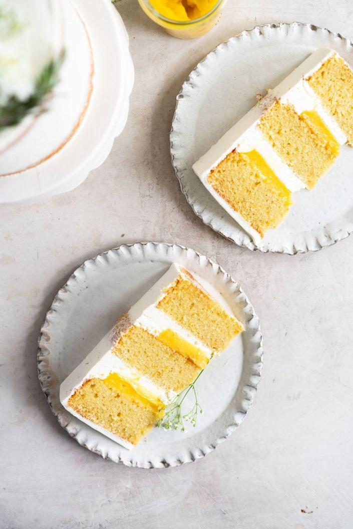 "<p>This rich cake is a beautiful blend of flavors, with a moist olive oil cake, citrusy lemon curd, and subtle rosemary buttercream.</p><p><strong>Get the recipe at <a href=""https://cloudykitchen.com/blog/olive-oil-layer-cake-with-meyer-lemon-curd-and-rosemary-german-buttercream/"" rel=""nofollow noopener"" target=""_blank"" data-ylk=""slk:Cloudy Kitchen"" class=""link rapid-noclick-resp"">Cloudy Kitchen</a>.</strong></p><p><strong><a class=""link rapid-noclick-resp"" href=""https://go.redirectingat.com?id=74968X1596630&url=https%3A%2F%2Fwww.walmart.com%2Fsearch%2F%3Fquery%3Dmixing%2Bbowls&sref=https%3A%2F%2Fwww.thepioneerwoman.com%2Ffood-cooking%2Fmeals-menus%2Fg36066375%2Fmothers-day-cakes%2F"" rel=""nofollow noopener"" target=""_blank"" data-ylk=""slk:SHOP MIXING BOWLS"">SHOP MIXING BOWLS</a><br></strong></p>"