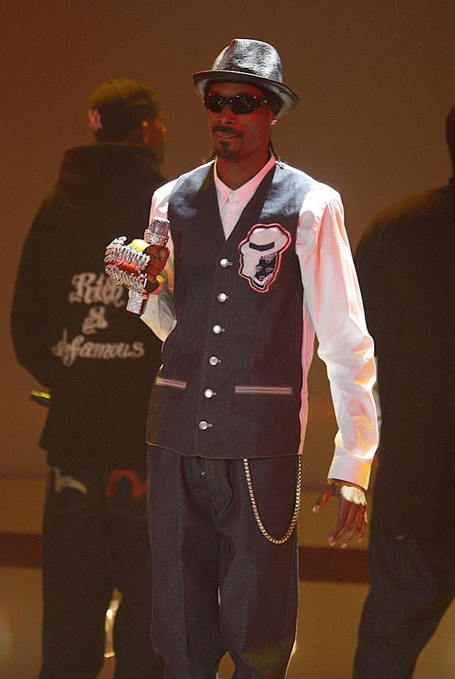 "Snoop Dogg looks cool as a cucumber as he strolls out on stage to perform at the Hammerstein Ballroom in NYC. Theo Wargo/<a href=""http://www.wireimage.com"" target=""new"">WireImage.com</a> - February 21, 2008"