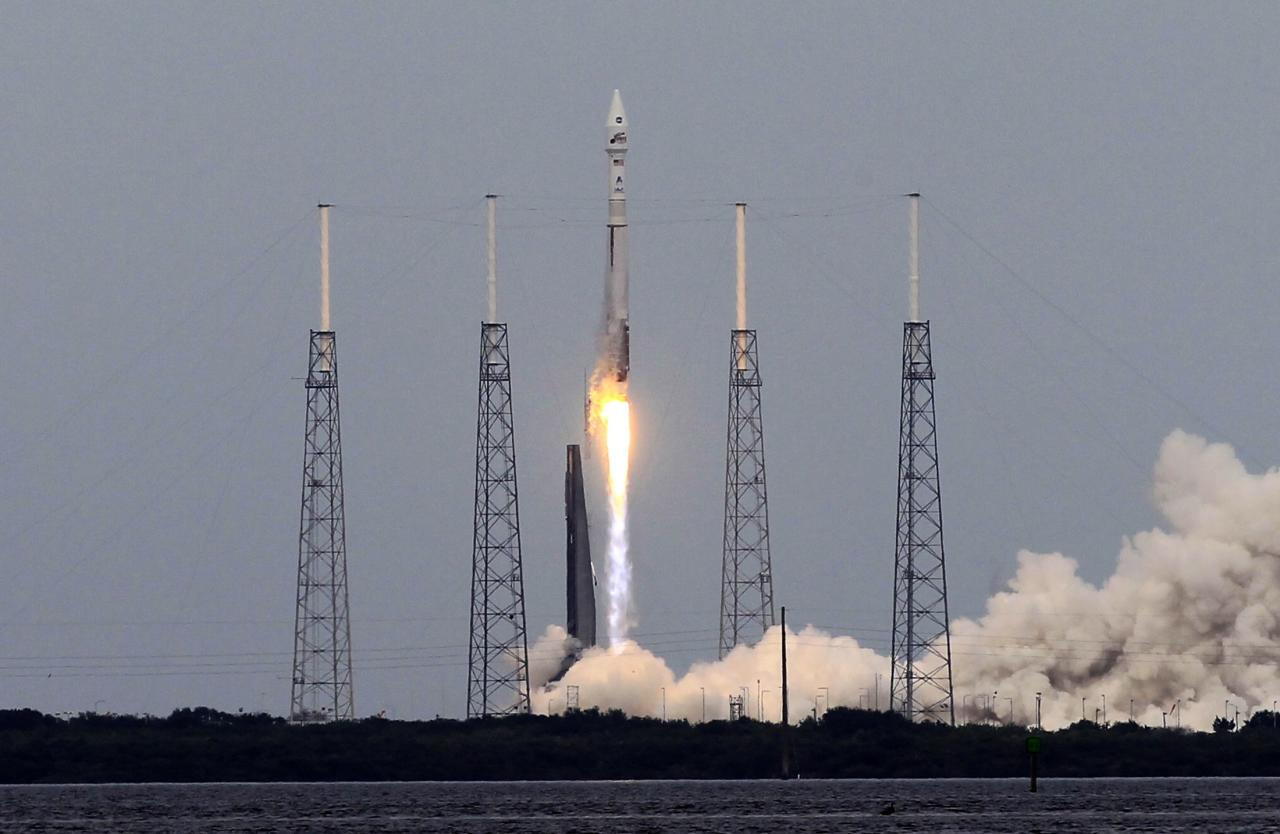 An Atlas V United Launch Alliance rocket lifts off from the Cape Canaveral Air Force Station carrying NASA's Mars Atmosphere and Volatile Evolution (MAVEN) spacecraft in Cape Canaveral, Florida November 18, 2013. The Mars-bound MAVEN is the first spacecraft devoted to exploring and understanding the Martian upper atmosphere. REUTERS/Joe Skipper (UNITED STATES - Tags: SCIENCE TECHNOLOGY TPX IMAGES OF THE DAY)