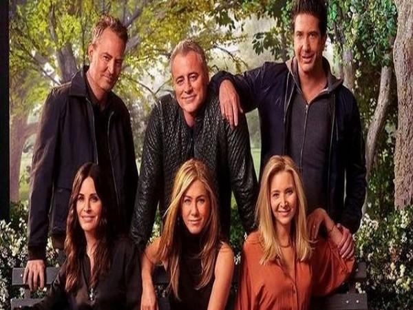 The 'Friends' reunion clan (Image Source: Instagram)