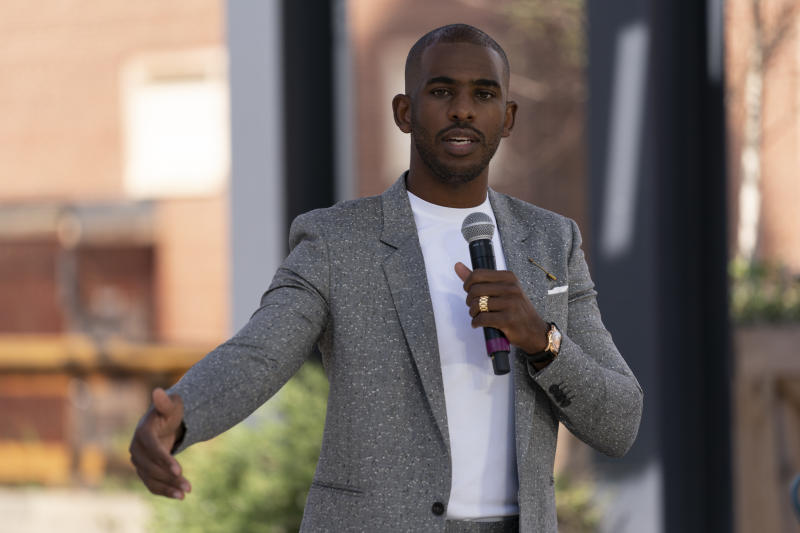 Chris Paul speaks before introducing Vice President Joe Biden at a campaign stop