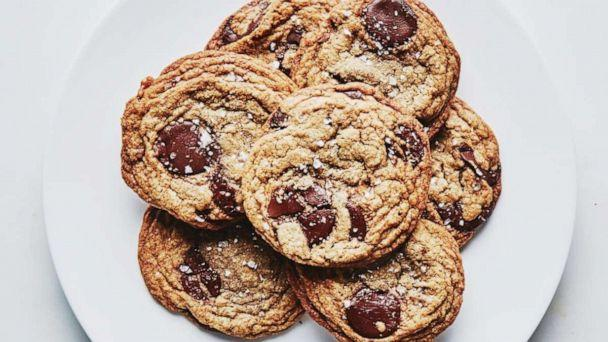 PHOTO: Brown Butter and Toffee Chocolate Chip cookies (Alex Lau/Bon Appetit)