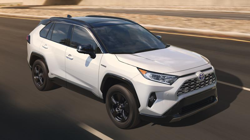 new toyota rav4 unveiled ahead of new york world debut. Black Bedroom Furniture Sets. Home Design Ideas