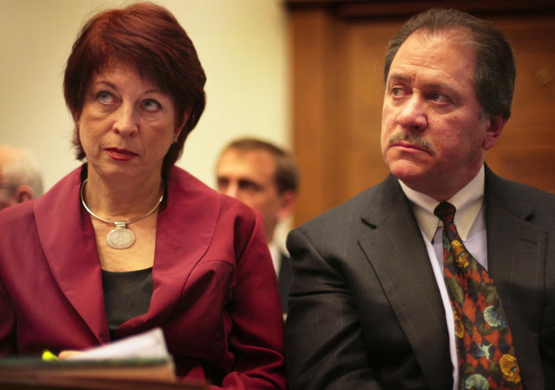 Victoria Toensing, left, and Joe diGenova listen as former CIA agent Valerie Plame Wilson testifies before the House Oversight and Government Reform Committee on Capitol Hill Friday, March 16, 2007. (Photo: The Washington Post via Getty Images)