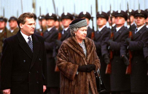 PHOTO: Queen Elizabeth with the President of Poland Aleksander Kwasniewski on her arrival in Warsaw, Poland, March 25, 1996. (Tim Graham Photo Library via Getty Images)