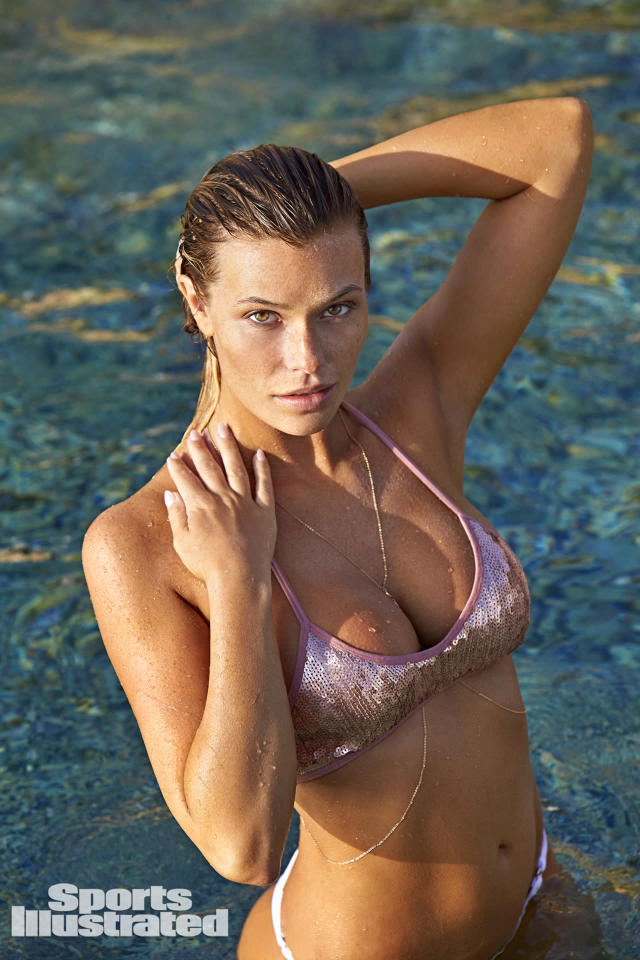 <p>Samantha Hoopes was photographed by Ben Watts in Curacao.</p>
