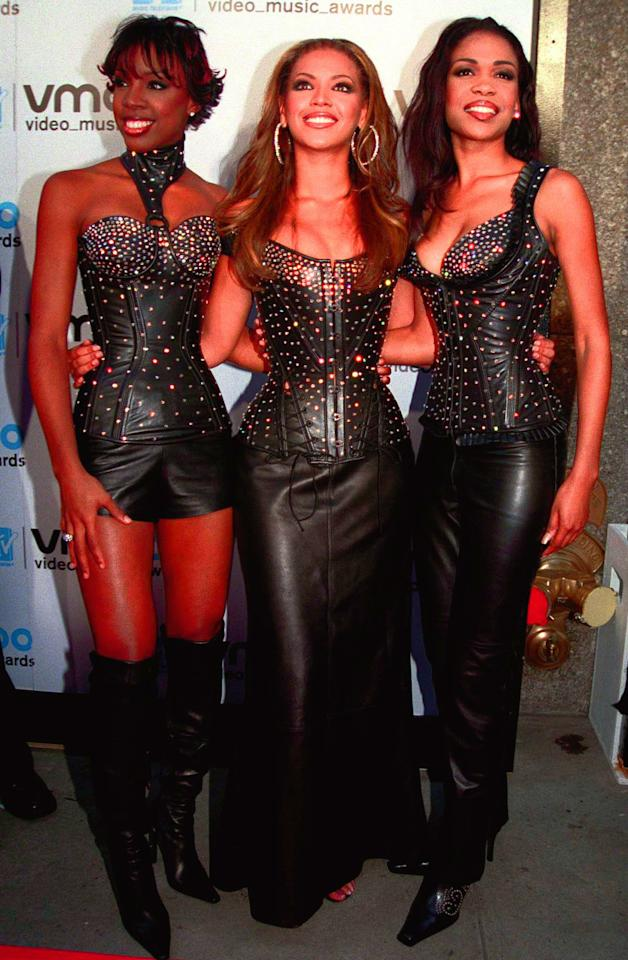 <p>Las Destiny's Child apostaron por el cuero para debutar en los MTV Video Music Awards. ¡Menudas pintas! (Foto: Gtres). </p>