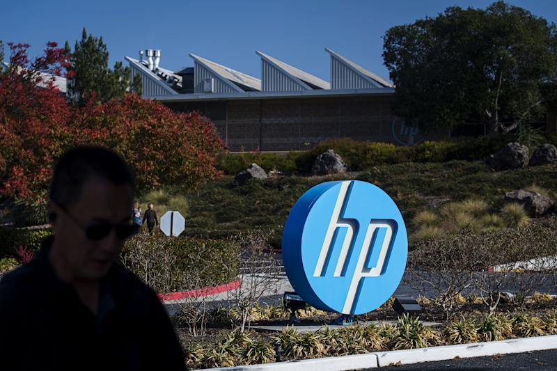 Xerox Escalates HP Takeover Fight With Proposal to Replace Board
