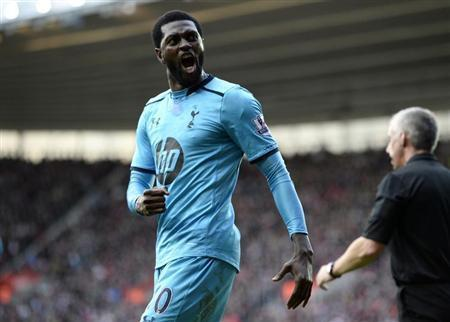 Tottenham Hotspur's Emmanuel Adebayor celebrates his goal against Southampton during their English Premier League soccer match at St Mary's stadium in Southampton, southern England December 22, 2013. REUTERS/Dylan Martinez