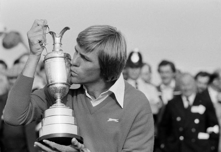 FILE - In this July 18, 1981, file photo, Bill Rogers kisses Claret Jug after the British Open Golf Championship in Sandwich, England. Rogers is one of three Americans who have won at Royal St. George's, where the British Open is held this year. (AP Photo/File)