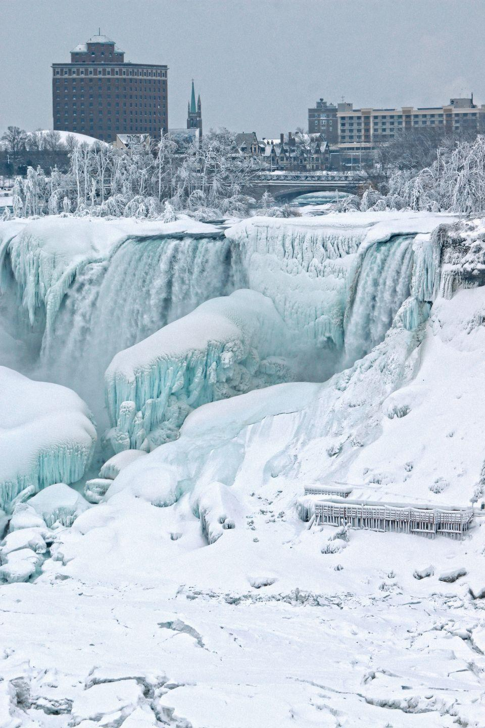 <p>While cold temps don't completely stop the flow of the powerful Niagara Falls on the New York/Canada border, pieces of the famous landmark do freeze to create some magical scenery. </p>