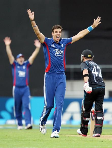 Steven Finn of England appeals unsuccessfully for the wicket of Brendon McCullum of New Zealand during the third Twenty20 International match between New Zealand and England at Westpac Stadium on February 15, 2013 in Wellington, New Zealand.  (Photo by Hagen Hopkins/Getty Images)