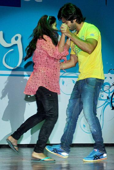 Shahid and Ileana promote 'Phata Poster Nikla Hero'