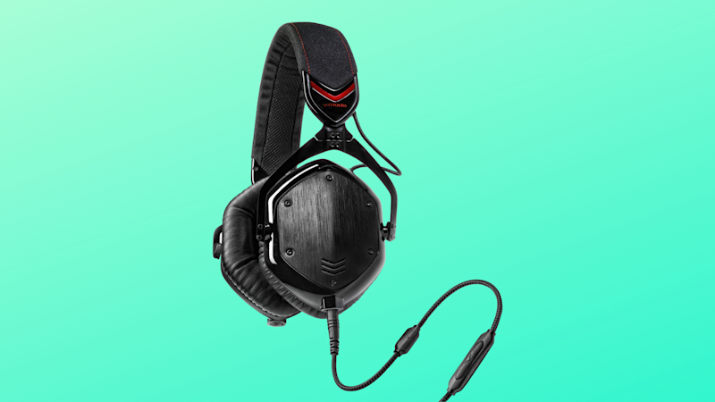 These premium headphones earned a 4.3 out 5-star rating. (Photo: Amazon/Yahoo Lifestyle)