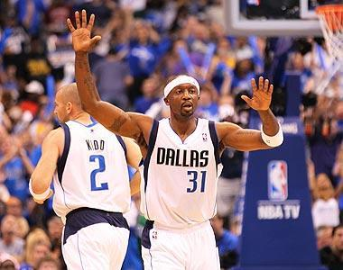 Jason Terry's record-tying nine 3-pointers helped the Mavericks bury the two-time defending champion Lakers 122-86 in the final game of their sweep