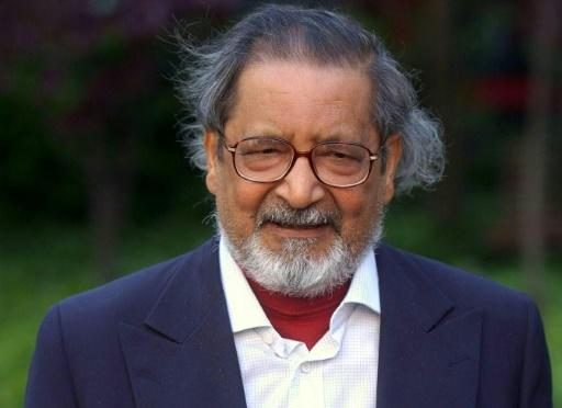 British author and winner of the 2001 Nobel Prize for Literature, V.S. Naipaul, pictured at a photocall before a conference in Madrid on May 27, 2002