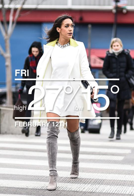 Those appropriately dressed (and likely still frigid) women behind Fox anchorSimone Boyce are really hurting her seasonless street style game.